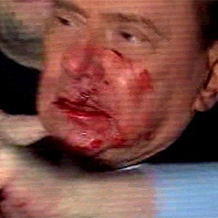 Usekal Berlusconija in postal junak Facebooka