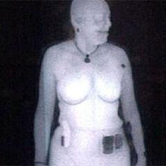 Nudisti podpirajo telesne skenerje na letališčih