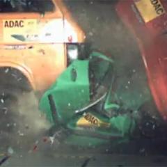 VIDEO: Nesreča, ki je v avtu ne preživi nihče