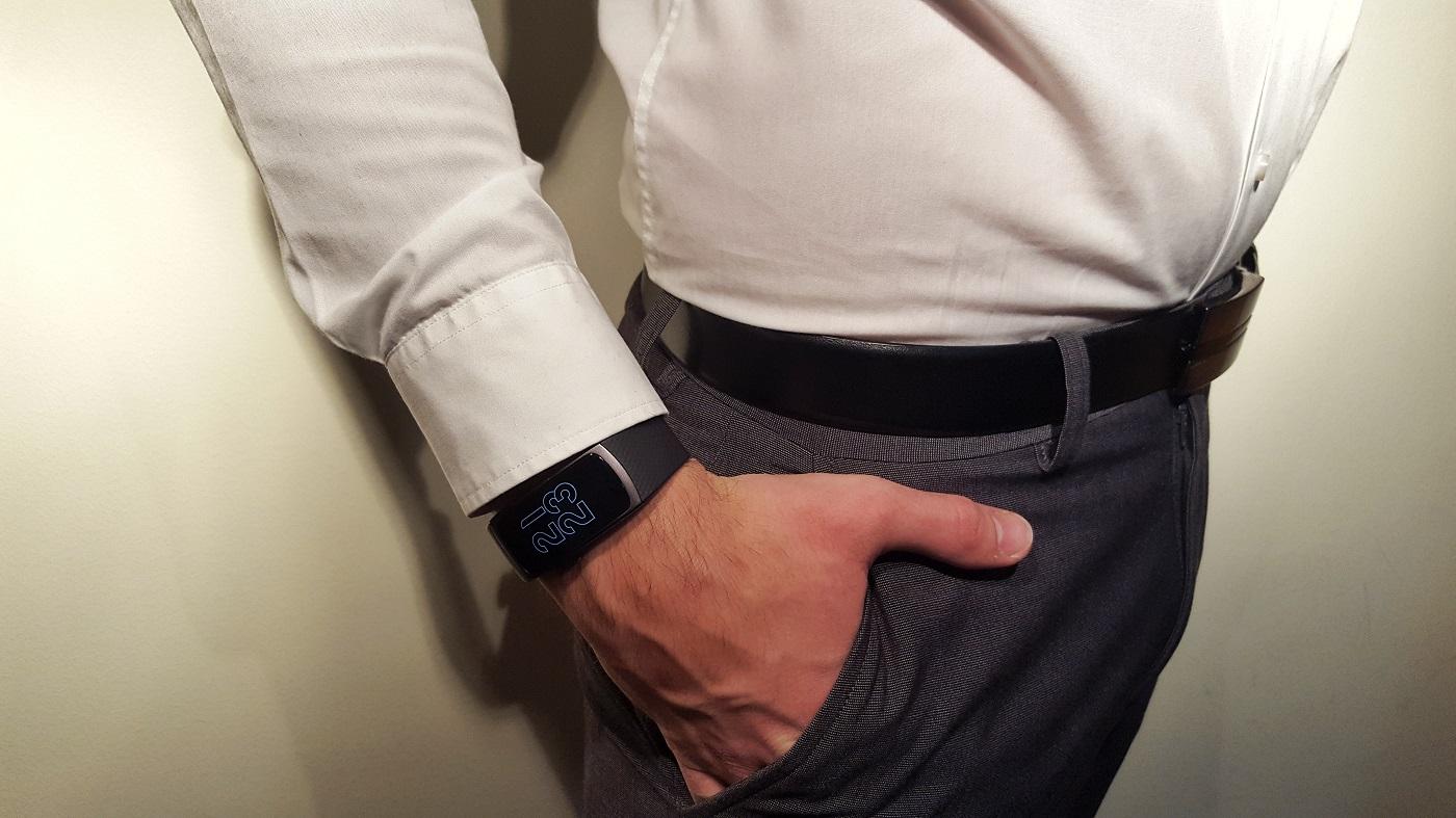 Samsung Gear Fit 2 formal wear