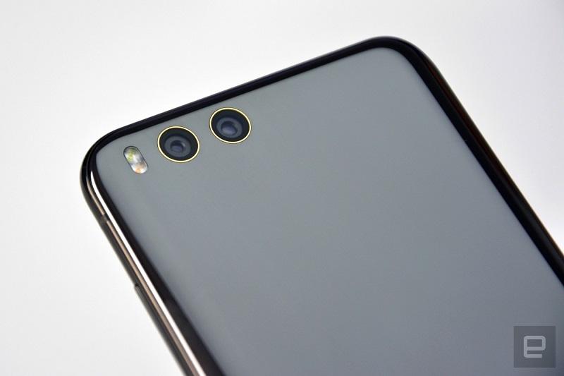Xiaomi si je delovanje dveh kamer na zadnji strani pogledal pri Applu. Vir: Engadget